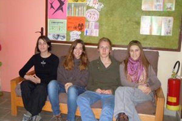 Spoločná fotografia. Zľava Miroslava Poľanská, Marta Marques, Ulrik Aagaard Povlsen a Ana Kuzmanovska.