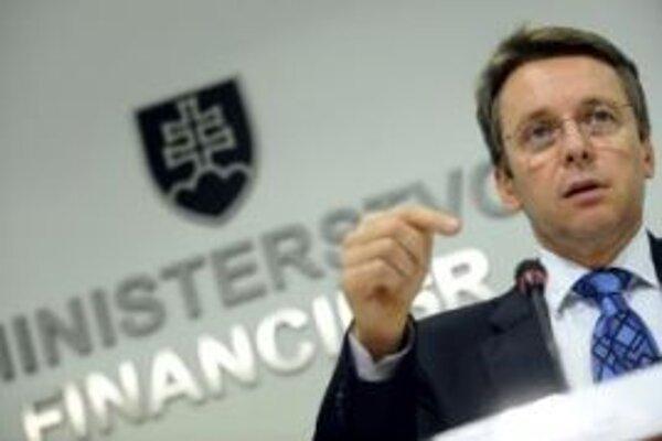 Prekročenie hranice deficitu v roku 2013 podľa ministra financií nehrozí. Pomôcť možu prípadné ďalšie opatrenia.