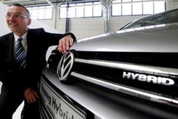 Šéf bratislavského závodu Volkswagen Andreas Tostmann počíta aj na budúci rok so zlým hospodárskym prostredím.