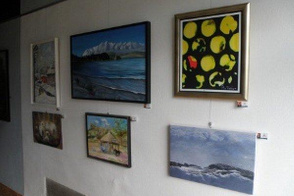 Obrazy zo Svetových umeleckých hier sú vystavené v Art Point centre v Prievidzi.