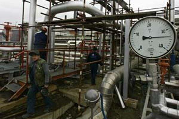 Gazprom rokuje s SPP o cenách dodávky plynu na najbližšie roky. Gazprom zároveň žiada aj doplatky za plyn, ktorý dodali od roku 2006.