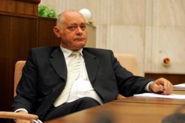 Minister zdravotníctva Ivan Valentovič si nemysí, že prípadný úbytok nemocníc sa dotkne negatívne pacientov.