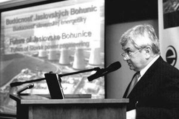 Rezort hospodárstva, ktoré vedie minister Ľubomír Jahnátek, pripúšťa, že regulačný úrad pochybil.