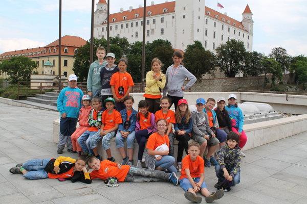 Deti na výlet do Bratislavy zobrali aj bývalého spolužiaka Filipa.