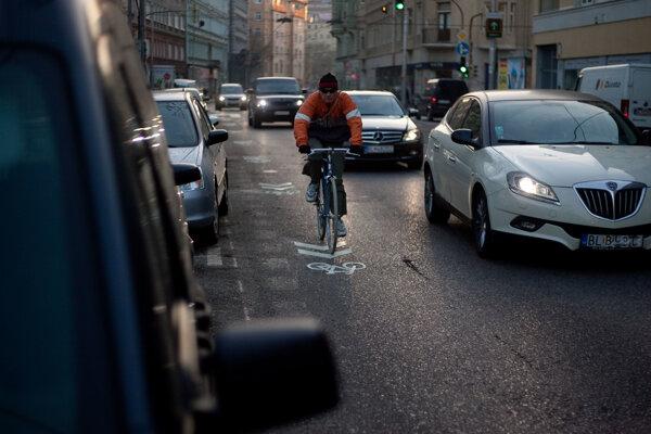 Cyklisti sú spolu s chodcami na cestách najzraniteľnejší.