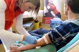 Transfúzne oddelenie bojnickej nemocnice vyzýva k darcovstvu krvi hlavne prvodarcov.
