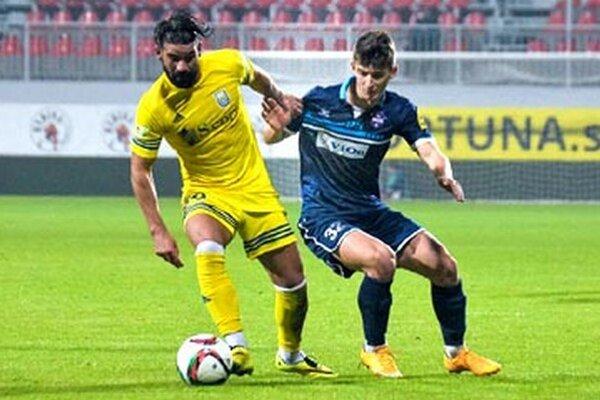 Šimona Kupca (vpravo) mrzela situácia pred inkasovaným gólom.