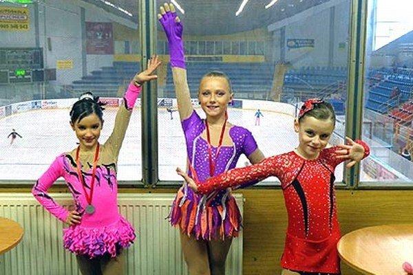Zľava Tamarka Hádeková, Lina Ballová a Zorka Semančíková z Kraso klubu mesta Nitra.