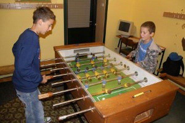 V centrách voľného času sa deti môžu venovať rôznym aktivitám.