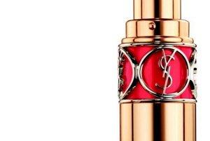 Rúž Volupte shine v intenzívnej červenej, Yves Saint Laurent, 33 €