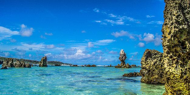 Celý ostrov Nauru pešo prejdete za menej ako deň.
