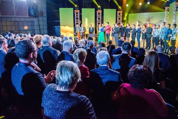 Slávnostný galavečer Roma Spirit 2015 v divadle Nová scéna v Bratislave 15. novembra 2015.