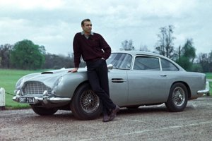 Sean Connery ako James Bond vo filme Goldfinger.