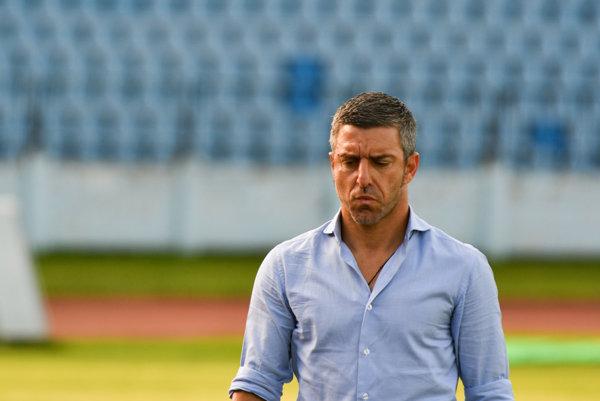 Nikodimos Papavasiliou už nie je trénerom Slovana.