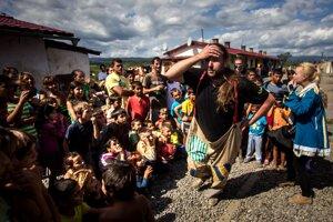 Poškodení Rómovia z Moldavy sa sťažujú na ústavnom súde