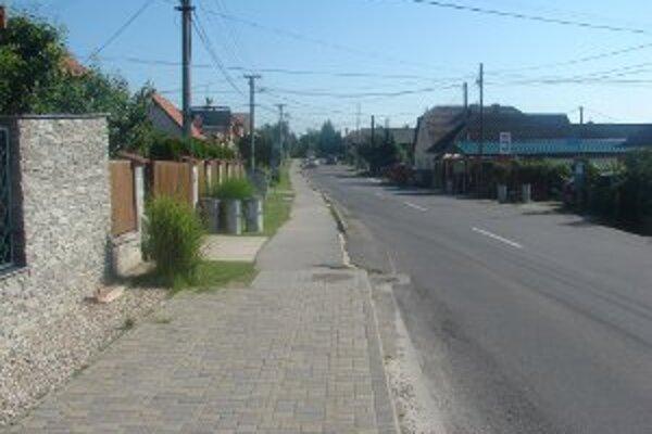 K nehode došlo na tejto ceste v Opatovciach nad Nitrou.