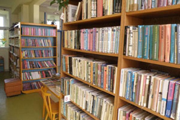 V knižnici nahradia vyradené knihy nové tituly.