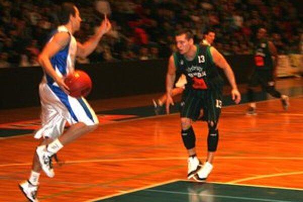 Na víťazstve Prievidze mal nemalú zásluhu aj Marek Jašš s číslom 13.