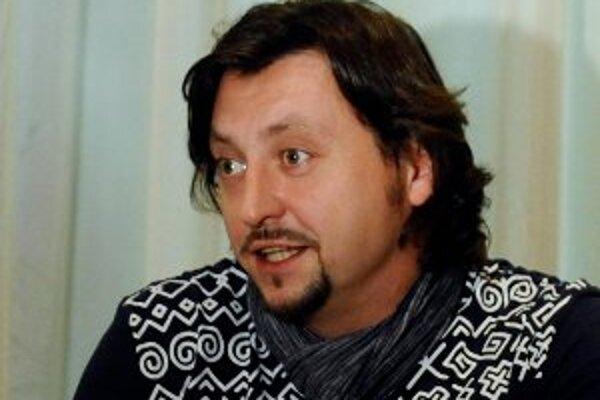 Lukáš Latinák hrá vo filme Tady hlídám já, ktorý uvedie kino Tatra Bojnice 20. januára.