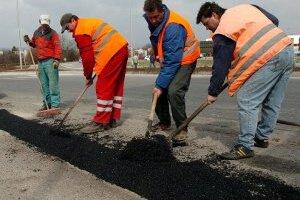 najväčšie jamy na cestách okresného mesta by mali byť odstránené už počas zimy.
