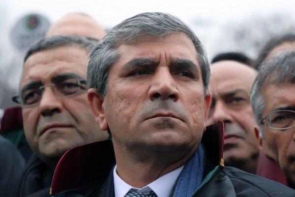 Tahir Elči.