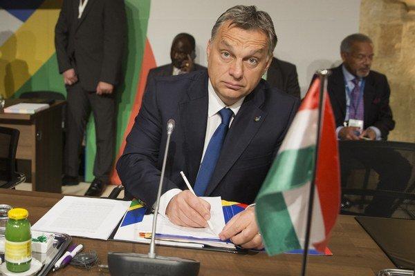 Maďarský premiér vyzval na normalizáciu vzťahov s Ruskom.