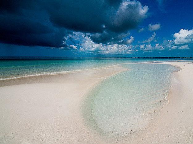 Rajská pláž na Cayo Largo del Sur.