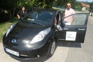 Elektromobil mali Novákovci k dispozícii tri dni.