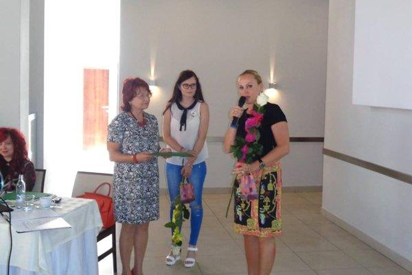 Cenu za rozvoj horného Turca dostala aj generálna riaditeľka SLK v Turčianskych Tepliciach Zuzana Ďurinová.