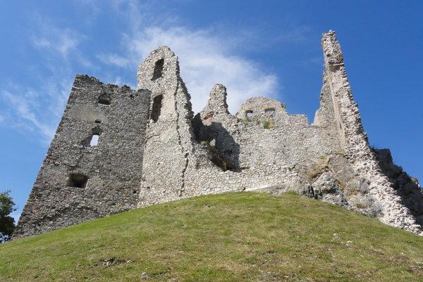 Kraj obnoví aj hrad Hrušov.