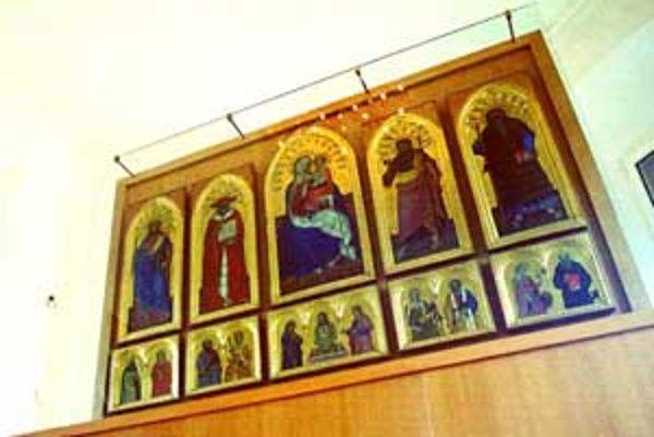 Vzácny Bojnický oltár sa z dočasného sedemnásťročného umiestnenia vo veži dostane na pôvodné miesto, teda do zámockej kaplnky.