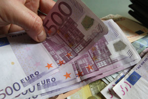 Dôchodkyňu okradli o 1500 eur.