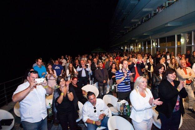 Nadšené publikum si muzikálovú hudbu užívalo.