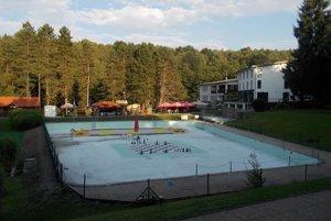 Starý bazén na Sninských rybníkoch zrušia.