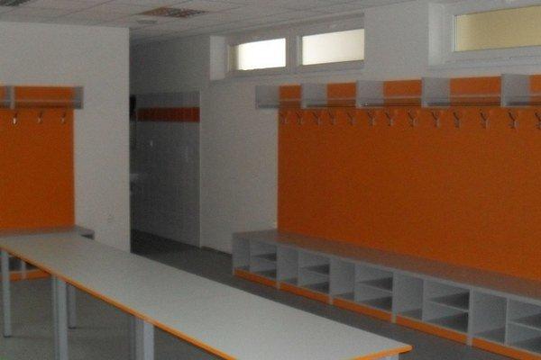 Po rekonštrukcii východnej tribúny majú futbalisti nový vstup, šatne pre hostí aj saunu.
