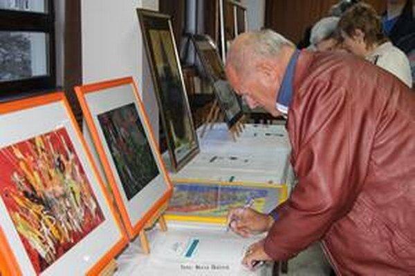 Výstava výtvarných prác detí z hrádockých umeleckých škôl.