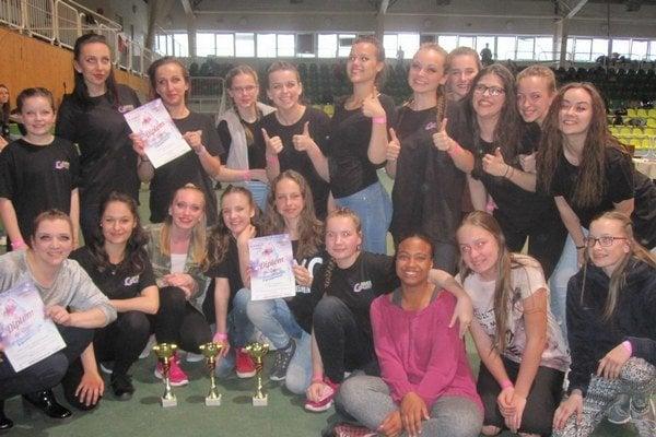 Dievčatá z Dance Galaxy zabojujú aj na majstrovstvách Európy v Leviciach.