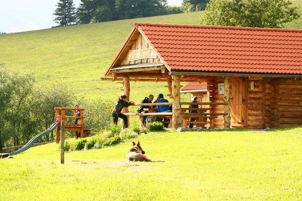 Salaš sa nachádza približne v nadmorskej výške 650 metrov nad morom.