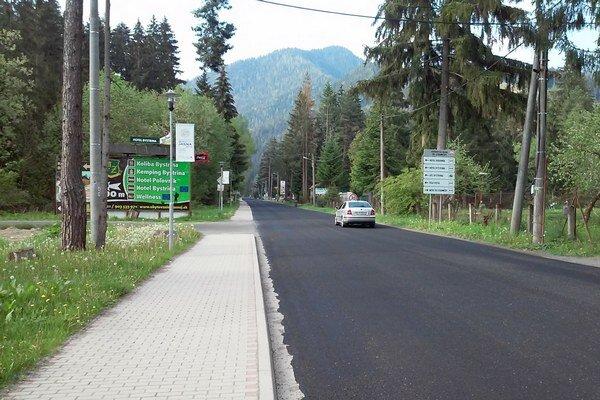 Momentálne cestári pracujú na prvej etape, pričom použili zvyšný materiál z predchádzajúcich opráv.