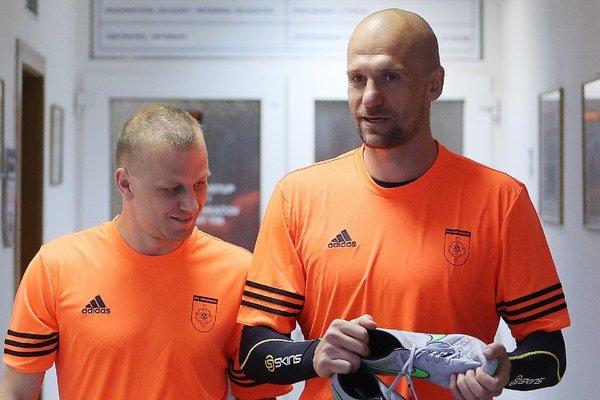 Na snímke zľava Marek Sapara a Martin Jakubko.