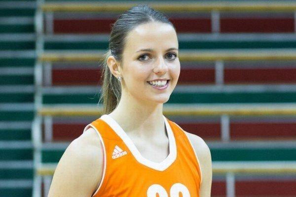 182 centimetrov vysoká krídelníčka Alexandra Baburová.