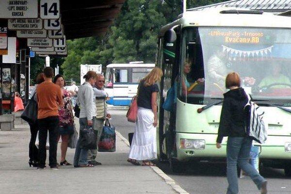 Polohu autobusu možno vyhľadať na www.mojbus.sk