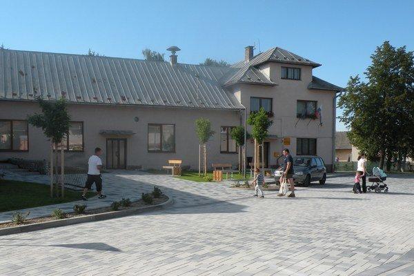 Vynovenie centra Dúbravy trvalo štyri mesiace.