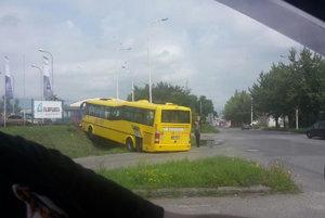 V čase nehody autobus žiadnych cestujúcich neprevážal.