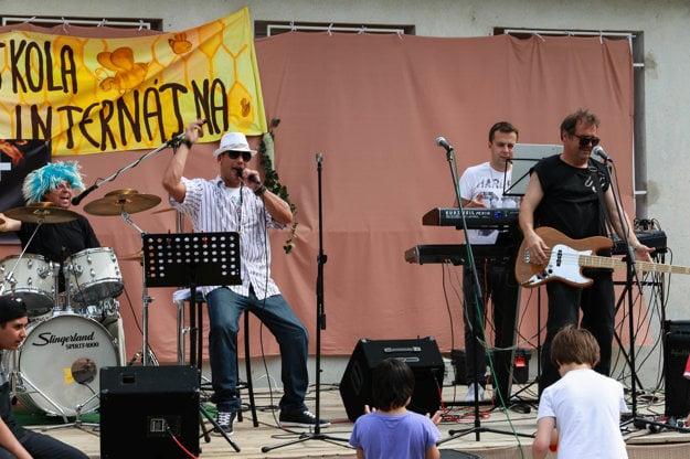 Skupina bavila aj deti a učiteľov Spojenej školy internátnej v Nitre.