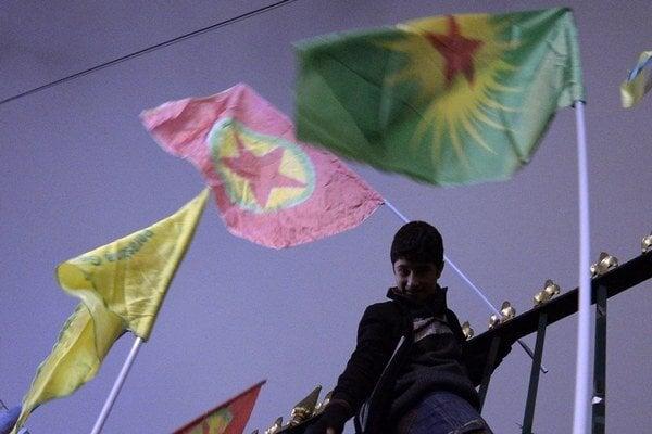 Kurdské vlajky.