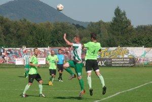 Koncert Š. Michalian. Zámutov (v zeleno-bielom) zdolali 5:0.