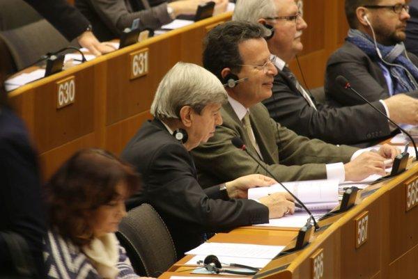 Eduard Kukan (v strede).
