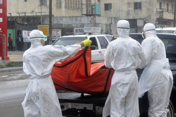 K oslavám došlo po tom, ako Svetová zdravotnícka organizácia (WHO) počas víkendu vyhlásila, že Libéria sa eboly zbavila.