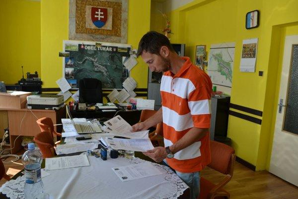 Starosta Tuhára Peter Čeman.